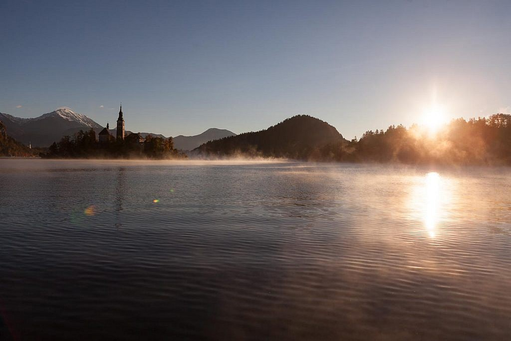 bled lake autumn mist