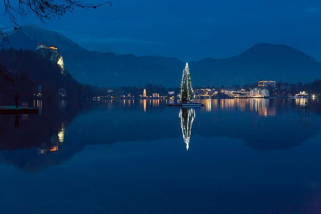 lake bled christmas tree